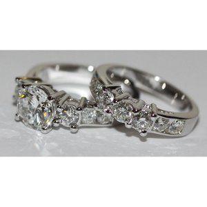 Jewelry - Round diamonds engagment ring  band set gold white